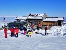 瑞士山中的牧人小屋il Rosso咖啡馆餐馆,12083弗拉博萨索塔纳 图库摄影