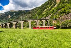 瑞士山火车 库存图片