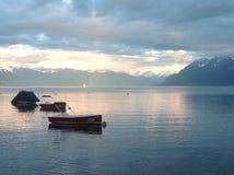 瑞士湖日落 免版税库存照片