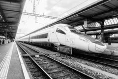 瑞士火车站- HDR 库存照片