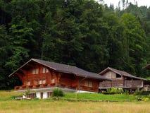 瑞士瑞士山中的牧人小屋的山 免版税库存照片