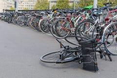 瑞士苏黎士-大约2017年4月:有a的葡萄酒自行车 库存照片