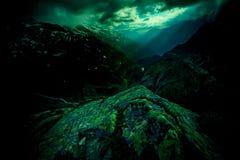 瑞士阿尔卑斯在晚上 图库摄影