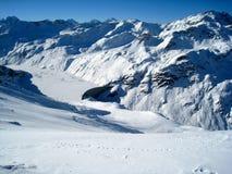 瑞士阿尔卑斯水坝 图库摄影
