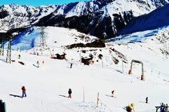 瑞士阿尔卑斯的滑雪者 免版税库存照片