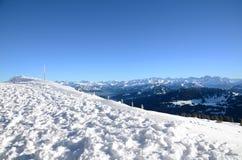 瑞士阿尔卑斯看法从瑞吉峰Kulm的在冬天 免版税库存图片