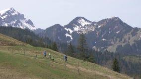 瑞士阿尔卑斯鸟瞰图琉森Pilatus游人走的 影视素材