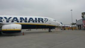 瑞安航空公司飞机,伦敦 免版税库存照片