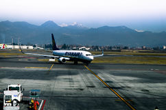 瑞安航空公司飞机 免版税图库摄影