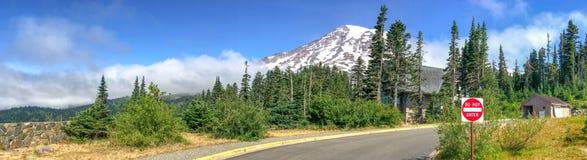 瑞尼尔山国家公园路,全景 库存图片