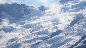 瑞尼尔山在妙境的冰川视图在西雅图,美国附近落后 免版税库存照片