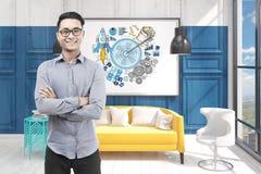 玻璃、办公室和蓝色目标的亚裔人 免版税库存图片