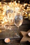 玻璃二酒 新年度装饰 免版税库存照片