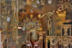 玻璃和水晶纪念品停止  图库摄影