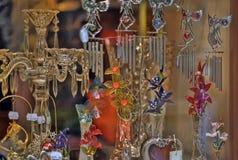 玻璃和水晶纪念品停止  免版税库存图片
