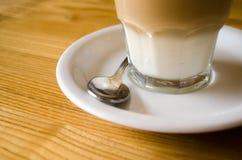 玻璃咖啡杯 免版税库存照片