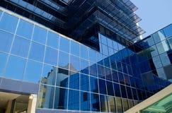 玻璃墙和反射 免版税库存图片