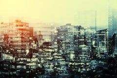 玻璃大厦样式,抽象背景的两次曝光 免版税库存照片
