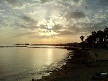 玻璃太阳塞浦路斯水池 免版税图库摄影