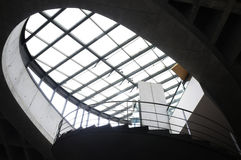 玻璃屋顶和钢结构 免版税库存照片