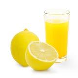 玻璃查出的柠檬水白色 免版税库存图片