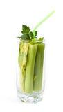 玻璃用新鲜的芹菜 免版税图库摄影