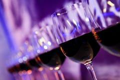 玻璃用红葡萄酒 库存图片