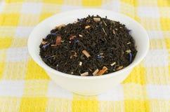 玻璃碗用干茶 免版税库存照片