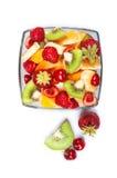 玻璃碗用新鲜水果沙拉 库存照片