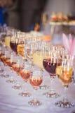 玻璃红色白葡萄酒 免版税库存照片