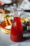 玻璃蒸馏瓶蜜饯 库存图片