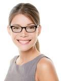 玻璃eyewear女商人愉快的画象 免版税图库摄影