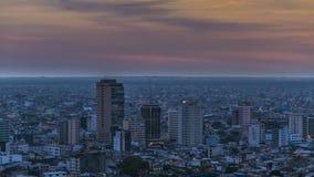 瓜亚基尔空中都市风景视图日落场面 图库摄影