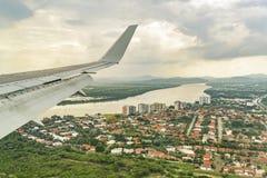 瓜亚基尔鸟瞰图从窗口飞机的 库存图片