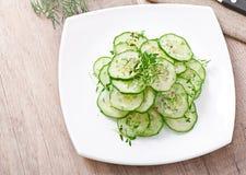 黄瓜新鲜的沙拉  免版税库存图片