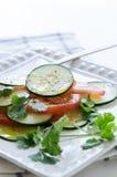 黄瓜蕃茄沙拉 免版税库存图片