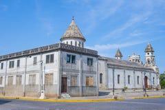 瓜达卢佩河教会在格拉纳达尼加拉瓜 免版税库存照片