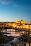 瓜达尔基维尔河河在科多巴,安大路西亚,西班牙 图库摄影