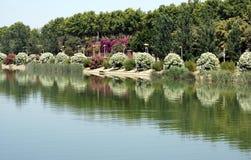 瓜达尔基维尔河河,塞维利亚,西班牙河沿  免版税库存图片
