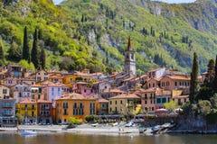 瓦伦纳村庄在科莫湖,意大利 库存照片