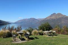 瓦卡蒂普湖和刺刀峰顶, Otago新西兰 库存照片