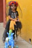 瓦哈卡,墨西哥10月31日, 2016-A女孩在死者的天装饰了 免版税库存图片