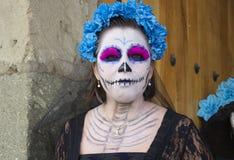 瓦哈卡,墨西哥10月31日2016年:妇女在死者的天穿戴了 免版税库存照片
