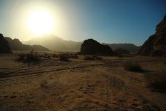 瓦地伦沙漠在约旦哈希姆王国 瓦地伦沙漠在约旦,亦称月亮谷令人惊讶的风景,是 免版税库存照片