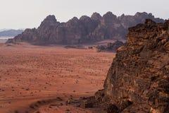 瓦地伦沙漠的红色沙子 库存照片