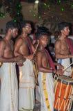 瓦尔卡拉,印度- 2016年3月23日:在Holi节日狂欢节的传统Kathakali舞蹈在瓦尔卡拉,喀拉拉,印度 免版税库存照片