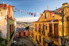 瓦尔帕莱索,智利五颜六色的大厦  免版税库存照片