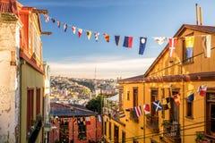 瓦尔帕莱索,智利五颜六色的大厦  免版税库存图片