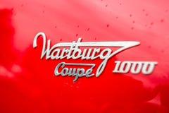 瓦尔特堡311小轿车1000,特写镜头的象征 免版税库存图片