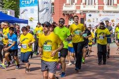瓦尔纳保加利亚5月07日2017国际连续马拉松 图库摄影